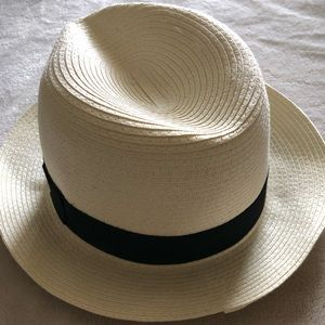 NWT Forever 21 hat.